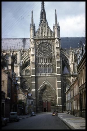 Primary view of object titled '[Amiens Cathedral]'.