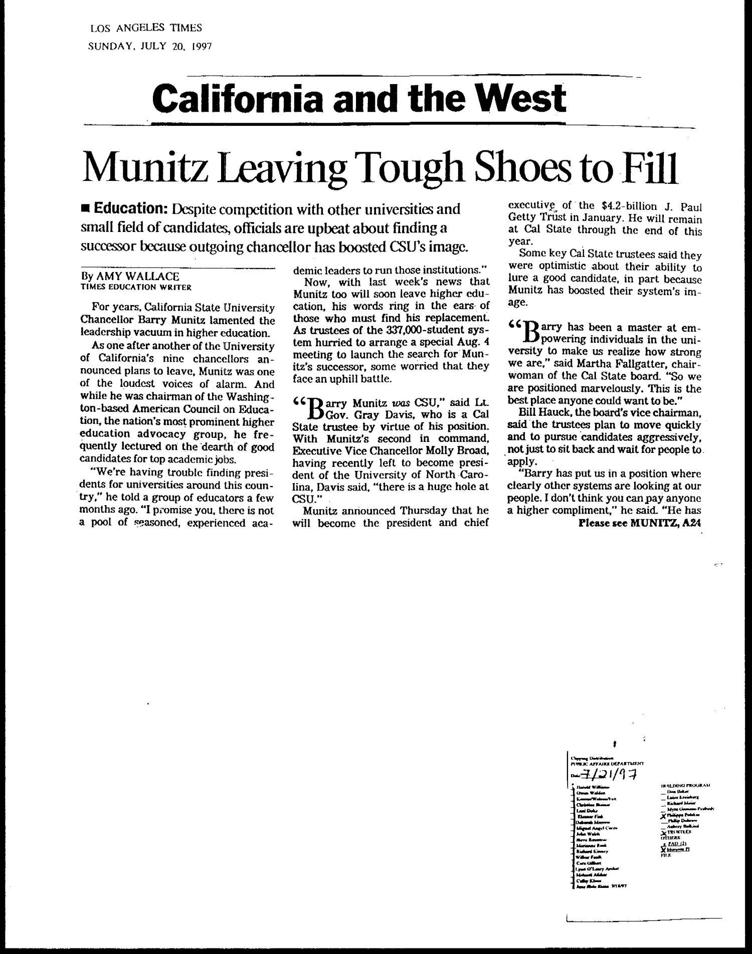 Munitz Leaving Tough Shoes to Fill - Digital Library