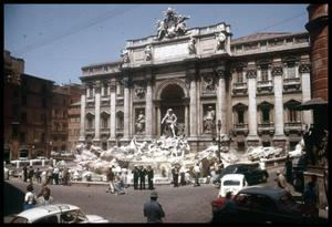 Primary view of object titled '[Piazza di Trevi]'.