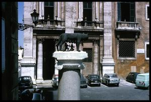 Primary view of object titled '[Romulus and Remus Statue]'.