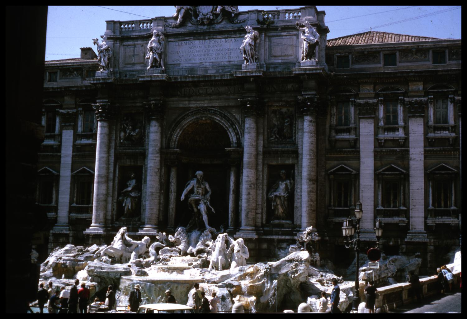 [The Trevi Fountain]                                                                                                      [Sequence #]: 1 of 1