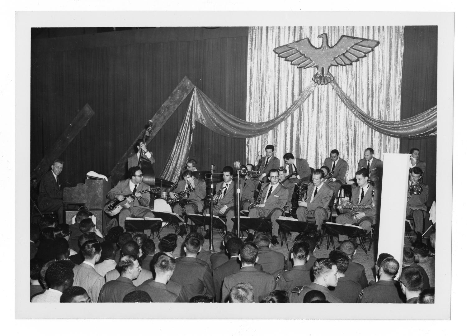 [Photograph of Stan Kenton and Orchestra]                                                                                                      [Sequence #]: 1 of 2