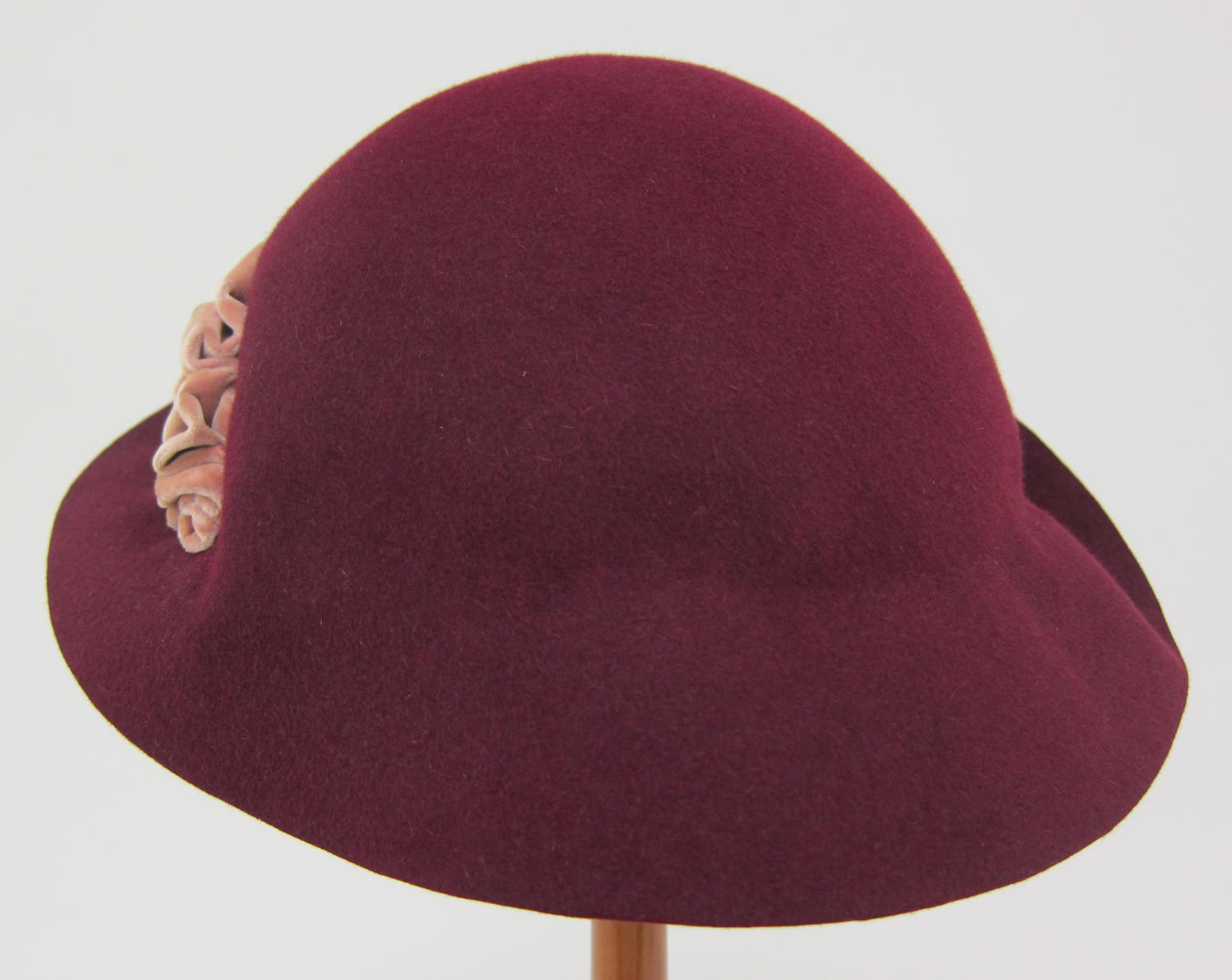 Cloche Hat                                                                                                      [Sequence #]: 4 of 9