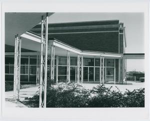 [NTSU music building courtyard, 1960s]