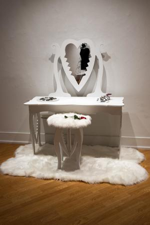 Primary view of object titled 'Heart Trap Vanity'.