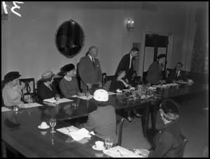 Primary view of object titled '[Alumni Officer Dinner in 1955]'.