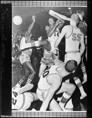 Primary view of object titled '[Basektball - Men - Game - NT vs St. Louis U. - 1963 - Close up]'.