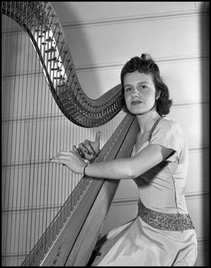 Primary view of object titled '[Anna Berkay, a Harpist]'.
