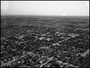Primary view of object titled '[Campus - Bird's Eye #1 - 11/1946]'.