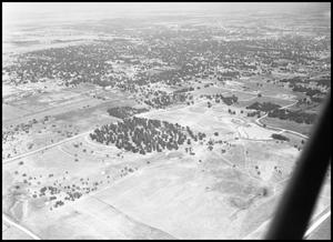 Primary view of object titled '[Campus - Aerial - 8/1947]'.