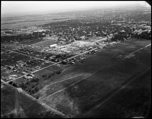 Primary view of object titled '[Campus - Bird's Eye #3 - 5/1948]'.