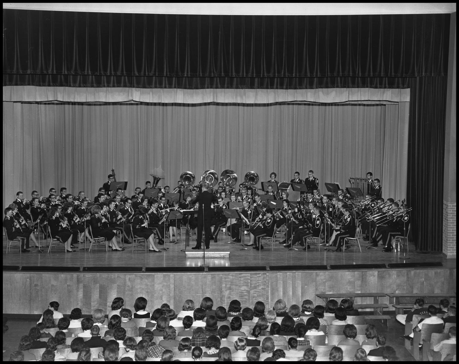 [Military Band Concert in Auditorium]                                                                                                      [Sequence #]: 1 of 1