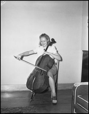 Primary view of object titled '[Woman Playing a Cello]'.