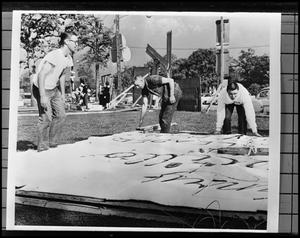 Primary view of object titled '[Students Making Homecoming Sign]'.