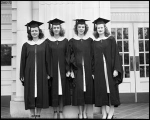 Primary view of object titled '[Photograph of Graduating Seniors]'.