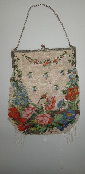 Primary view of object titled 'Beaded Purse'.