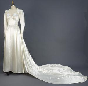 Primary view of object titled 'Wedding Dress'.