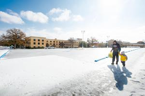 Primary view of object titled '[UNT Campus during 2013 Ice Storm]'.