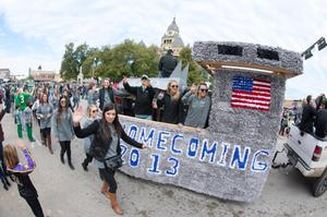Primary view of object titled '[UNT homecoming parade float 5]'.