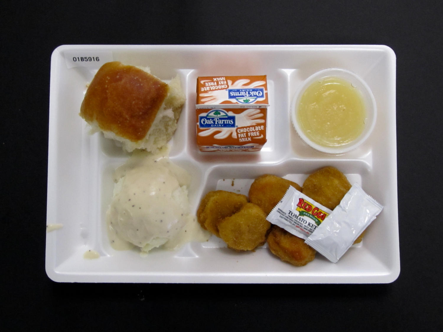 Student Lunch Tray: 01_20110330_01B5916                                                                                                      [Sequence #]: 1 of 2