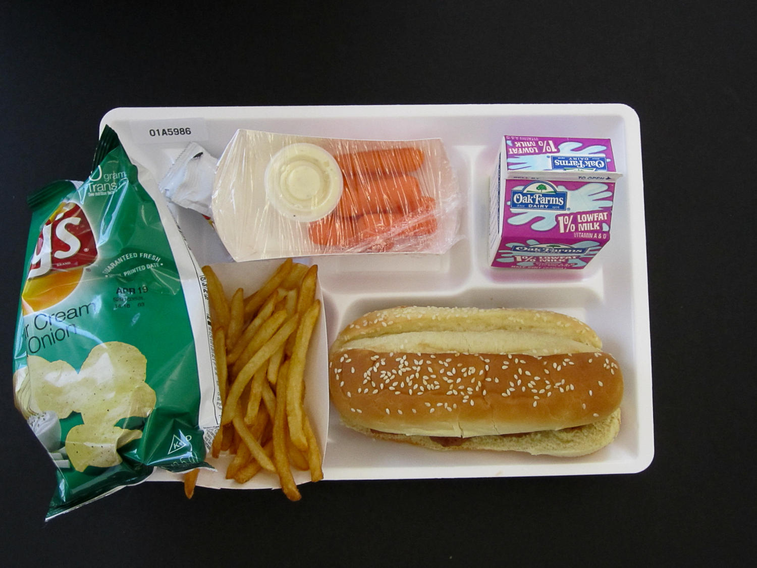 Student Lunch Tray: 01_20110413_01A5986                                                                                                      [Sequence #]: 1 of 2