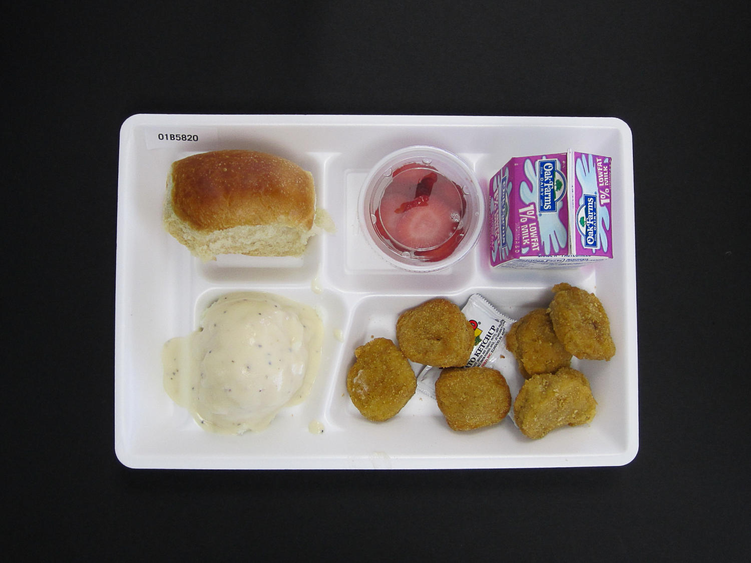 Student Lunch Tray: 01_20110415_01B5820                                                                                                      [Sequence #]: 1 of 2