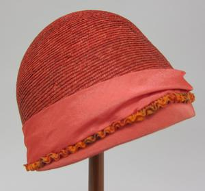 Primary view of object titled 'Cloche'.