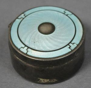 Primary view of object titled 'Powder Compact'.