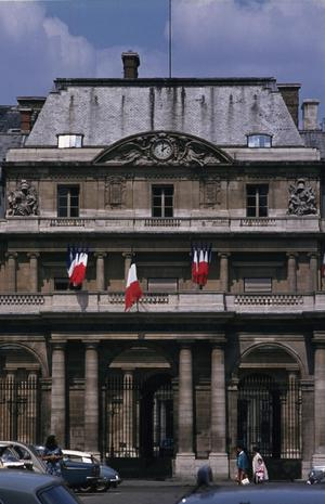 Primary view of object titled 'Palais Royale'.
