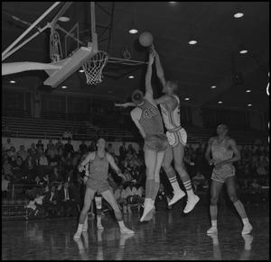 Primary view of object titled '[North Texas vs Scots Basketball Game, 2]'.