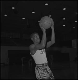 Primary view of object titled '[North Texas Basketball Player Alfred Nickleberry, 2]'.