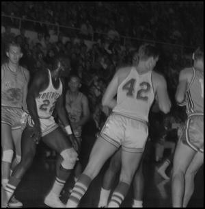 Primary view of object titled '[North Texas vs Oklahoma City Basketball Game]'.