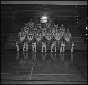 Primary view of object titled '[1964-1965 Men's Varsity Basketball Team, 4]'.