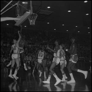 Primary view of object titled '[North Texas State vs Tulsa Basketball Game]'.
