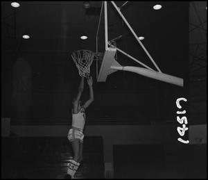 Primary view of object titled '[Willie Davis Shooting Hoops, 4]'.