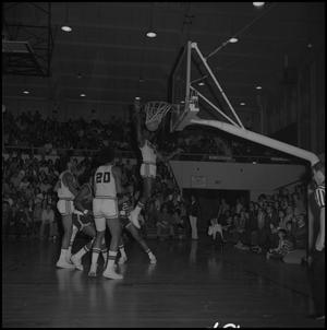 Primary view of object titled '[Men's NTSU Eagles Basketball Game, 5]'.