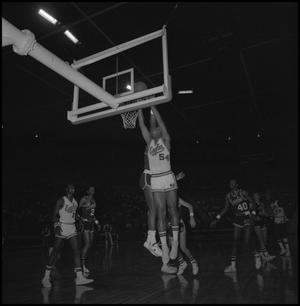 Primary view of object titled '[Eagles vs Memphis State in College Basketball]'.