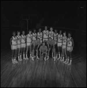 Primary view of object titled '[1973- 1974 Men's basketball team, 3]'.