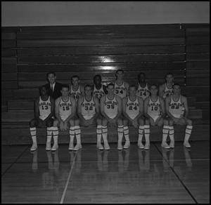 Primary view of object titled '[1963-1964 Men's Varsity Basketball, 2]'.