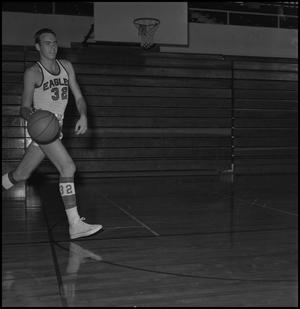 Primary view of object titled '[Eagle Varsity Basketball Player Mike Long]'.