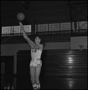 Primary view of object titled '[Eagle Varsity Basketball Player Norman Colglazier]'.