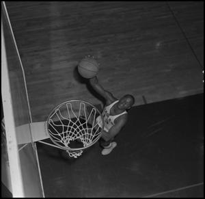 Primary view of object titled '[NTSU Basketball Player Dwight Lowery]'.