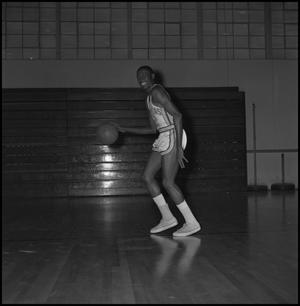 Primary view of object titled '[North Texas Basketball Player Wendel Hart, 4]'.