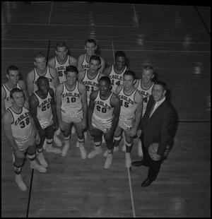 Primary view of object titled '[1962-1963 Men's Varsity Team]'.