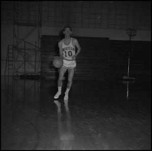 Primary view of object titled '[Basketball player Doug Willoughby, 2]'.