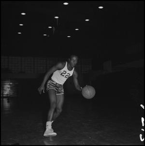 Primary view of object titled '[North Texas Basketball Player Oscar Miller, 2]'.