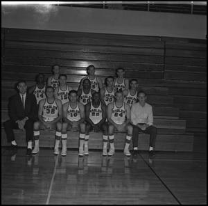 Primary view of object titled '[1962-1963 Men's Varsity Basketball, 3]'.