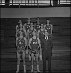 Primary view of object titled '[1963-1964 Freshman basketball team, 2]'.