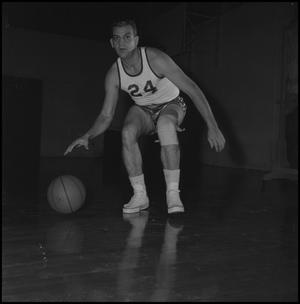 Primary view of object titled '[Eagle Varsity Basketball Player Les Pollock]'.