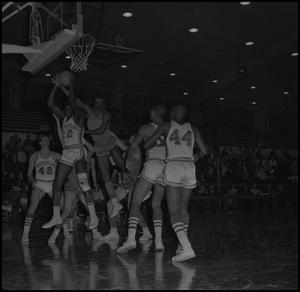 Primary view of object titled '[North Texas vs Scots Basketball Game, 3]'.
